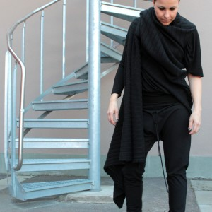 104_knittedvest_maliinsstoore